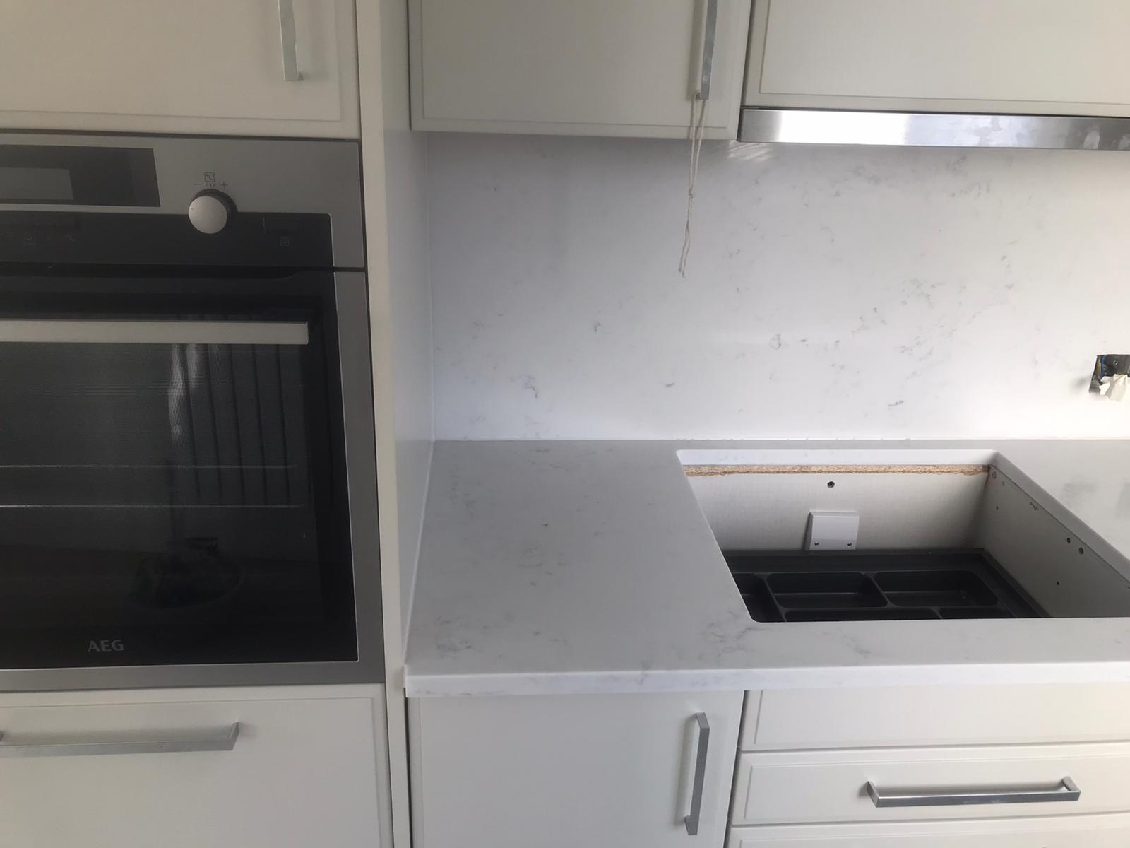 Simply Quartz Carrara