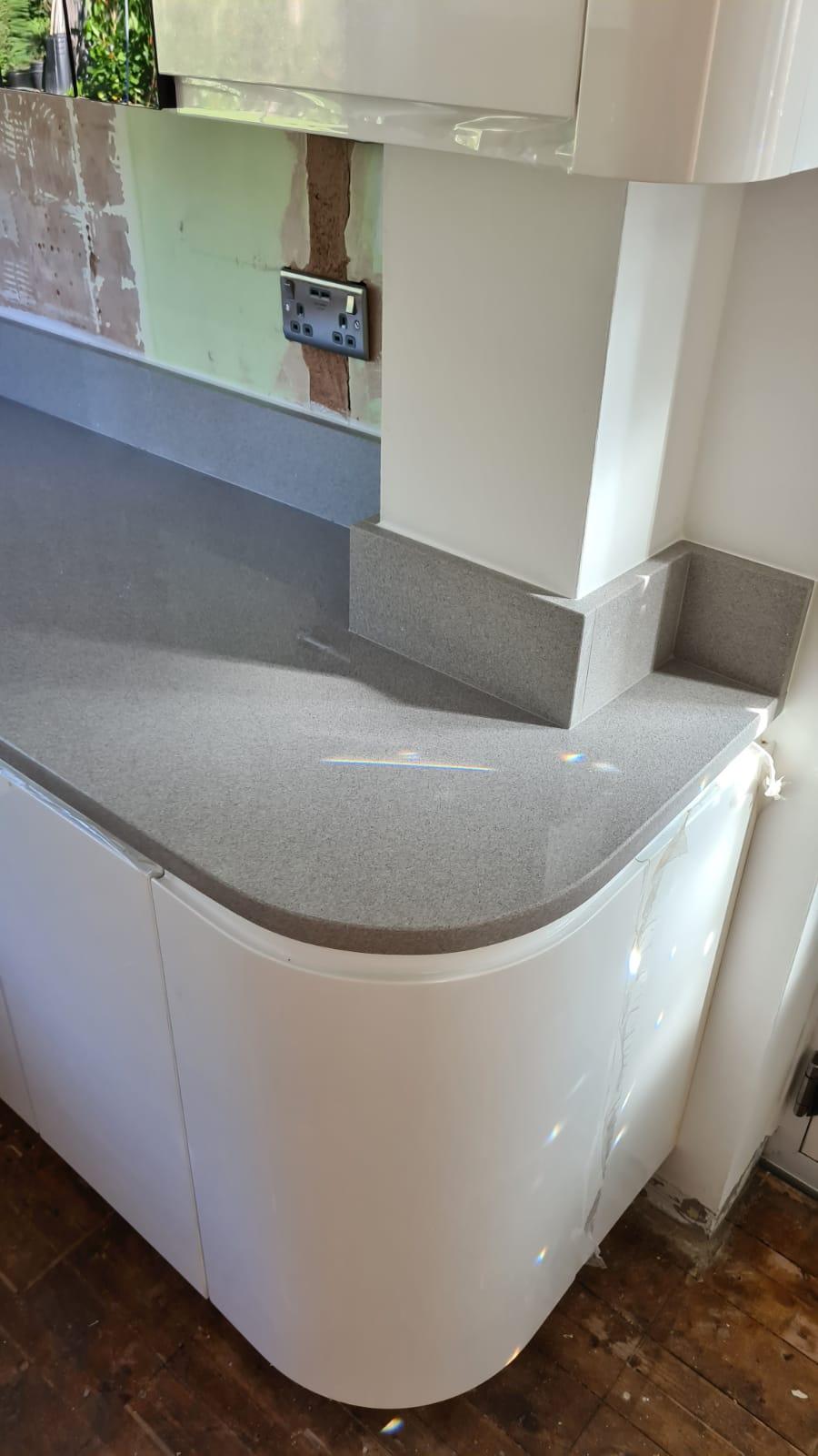 Simply Quartz Aluminium