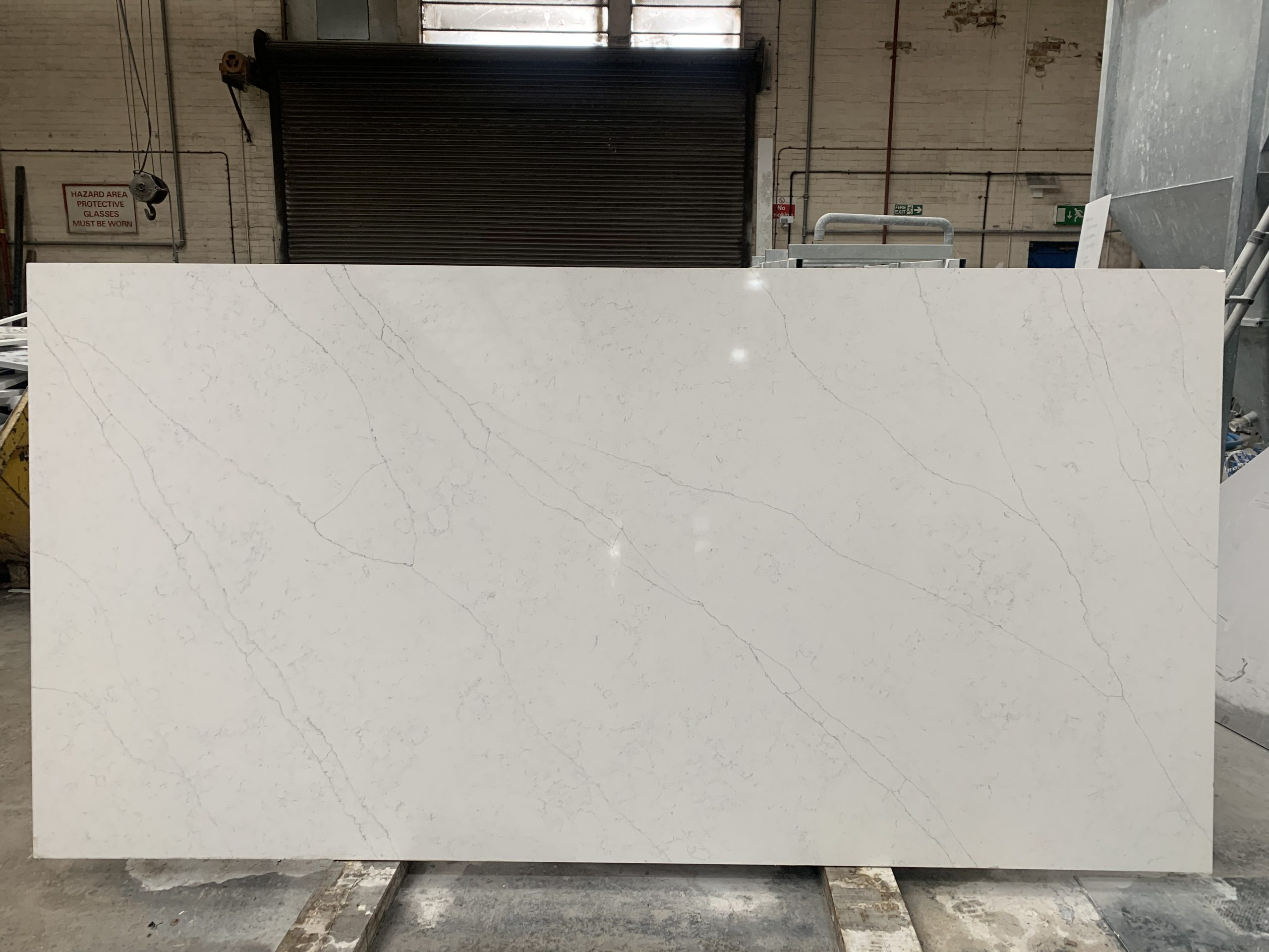 Simply Quartz Carrara Flower
